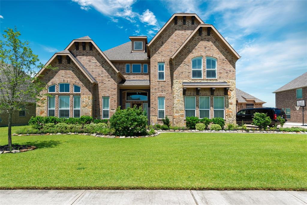 3811 Cypress Point Drive, Mont Belvieu, TX 77523