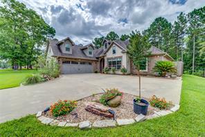305 Hunters Glen Drive, Hudson, TX 75904