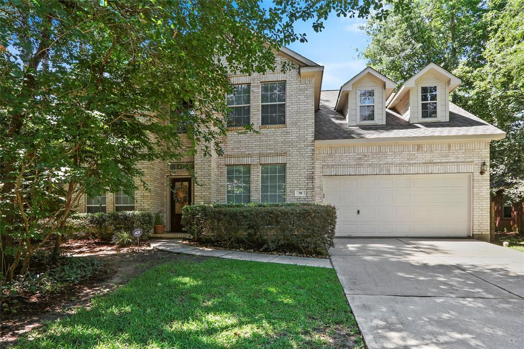 ABSOLUTELY GORGEOUS EXECUTIVE HOME! HIGH VOLUME CEILINGS, ART NICHES, FORMAL DINING ROOM WITH ALCOVE...ALL THE BELLS AND WHISTLES! INCLUDES WASHER & DRYER. 4 BEDROOMS, 3 FULL BATHS.. HUGE 1ST FLOOR MASTER SUITE, SHOWS LIKE A MODEL HOME...LARGE GAME ROOM, NICE BACK YARD. VERY IMPRESSIVE. PETS CASE BY CASE.