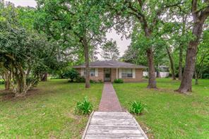 19270 Lakeshore, Magnolia TX 77355