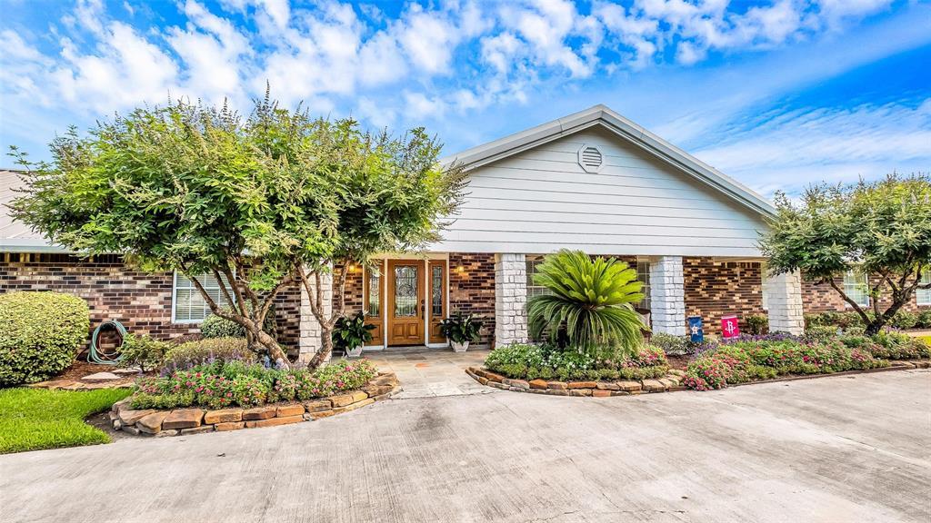 706 Sharon Lane, Baytown, TX 77521