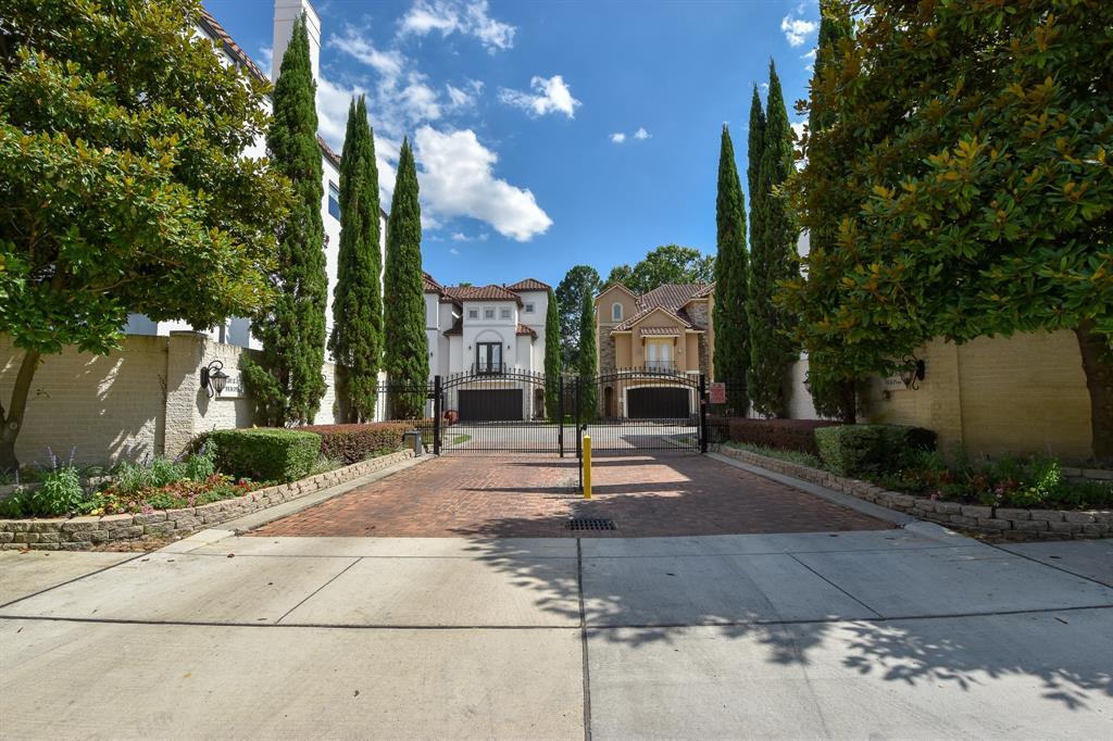 5531 Pine Street A, Houston, TX 77081