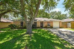 1616 Sleepy Hollow, Pearland TX 77581