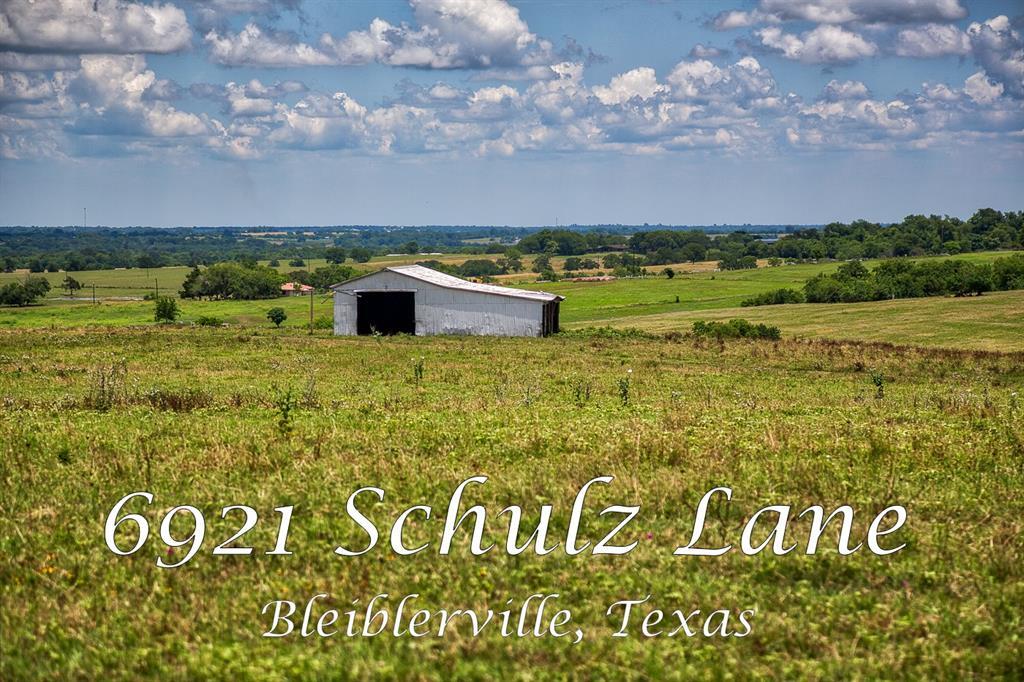6921 Schulz Road, Bleiblerville, TX 78931
