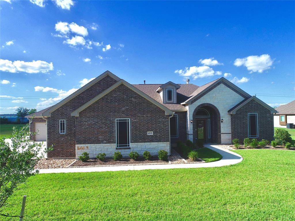 4535 Pineloch Bayou Drive, Mont Belvieu, TX 77523