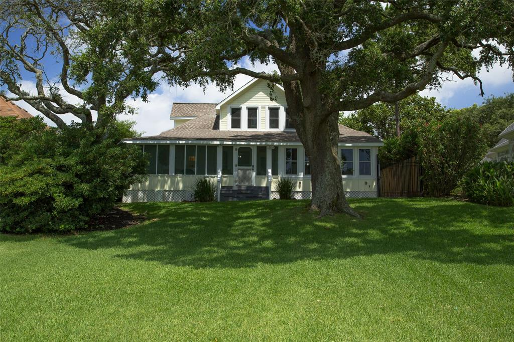 Historical Morgan's Point home on Galveston Bay.  This beautiful remodeled Craftsman cottage was built in 1905 By Dr. J.M. Boyles, a surgeon who ran the Houston Infirmary and is on the National Historical Registry.  The cottage has had many enhancements added throughout its 114 years and the current owner remodeled the home in 2013 to include leveling with some new piers, roof, a/c and heat, low E windows, created a new in-suite master bathroom, granite counters in kitchen, appliances, and paint, while honoring the homes originality.  This home is eclectic with old world charm and positioned on Galveston Bay waterfront with the capability of building your own pier.  A community pier for the 15 homeowners on Bay Ridge Park is a very short walk right outside the inviting screened in porch overlooking the ship channel. Come and enjoy cool gulf breezes and relax the days stress away. Seller is not aware of the house ever flooding.