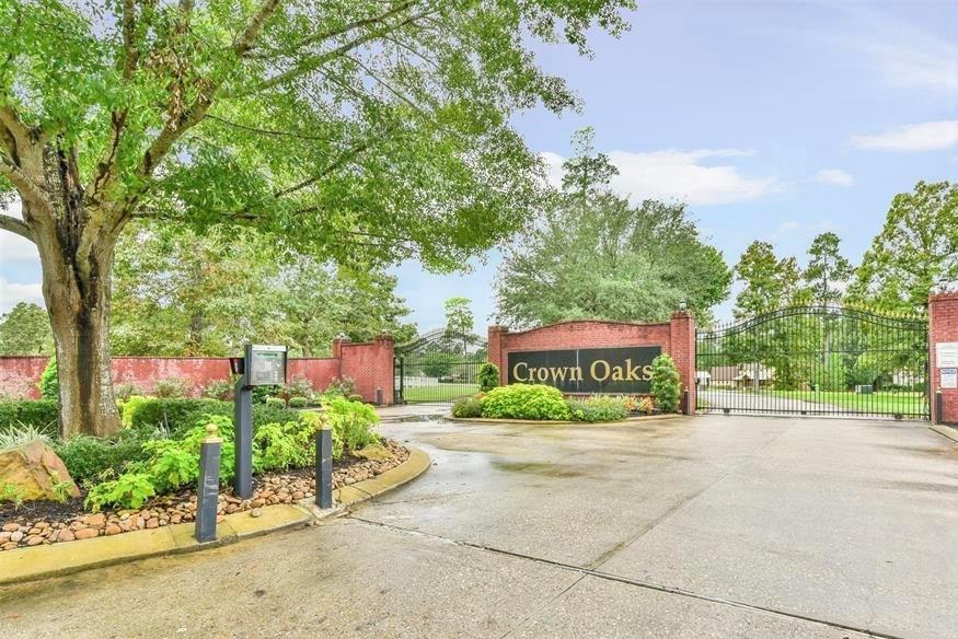 15645 Crown Oaks Drive, Montgomery, TX 77316