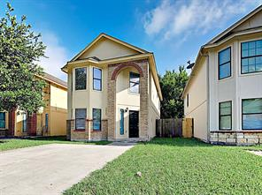 2935 La Estancia, Houston TX 77093
