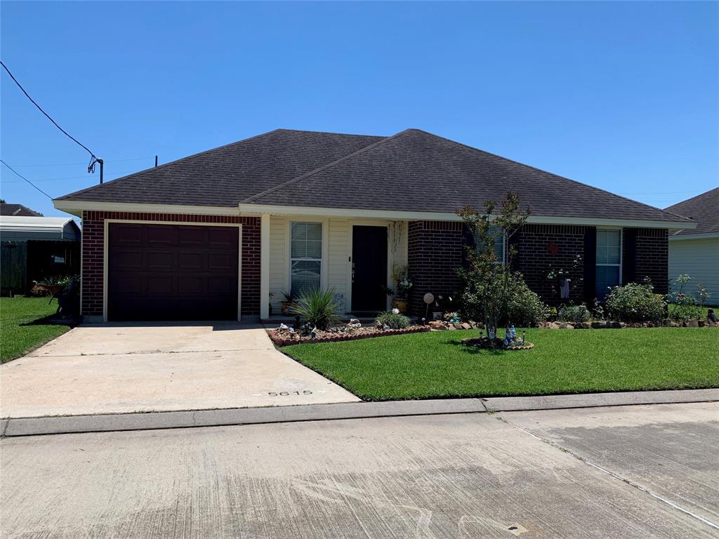5615 Shadowbend Circle, Lumberton, TX 77657