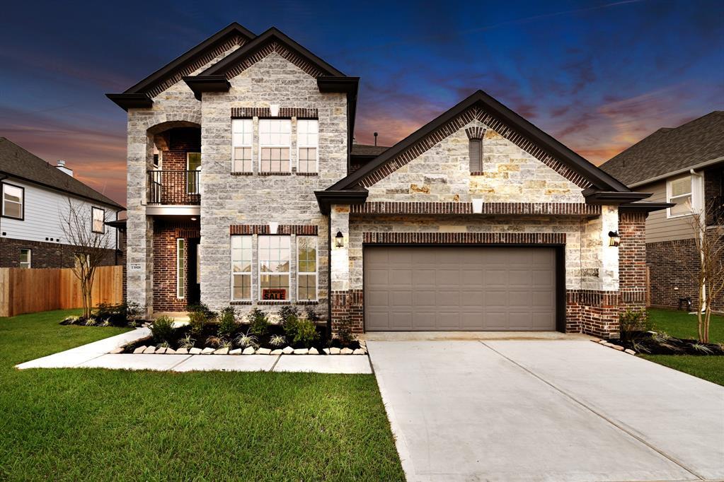 13818 Russell Court, Mont Belvieu, TX 77523