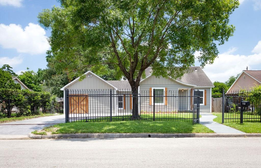 7125 Gillen Street, Houston, TX 77087