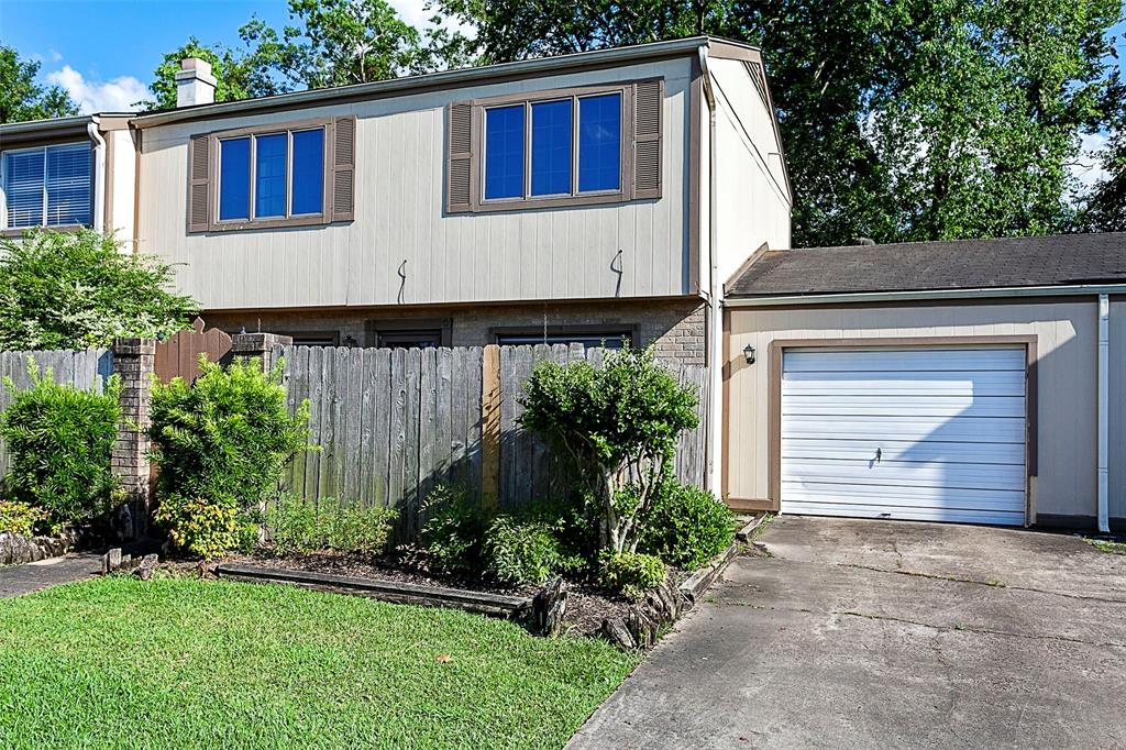 5875 Fairmeadow Street, Beaumont, TX 77707