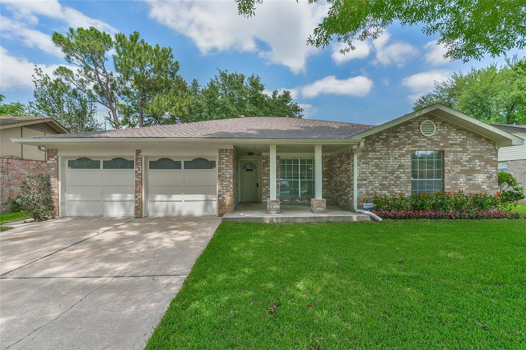 9111 Bankside Drive, Houston, TX 77031