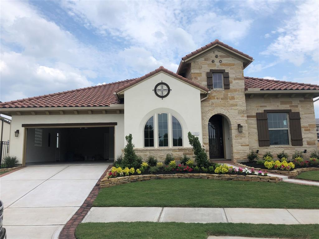 139 Silent Manor Drive, Sugar Land, TX 77498