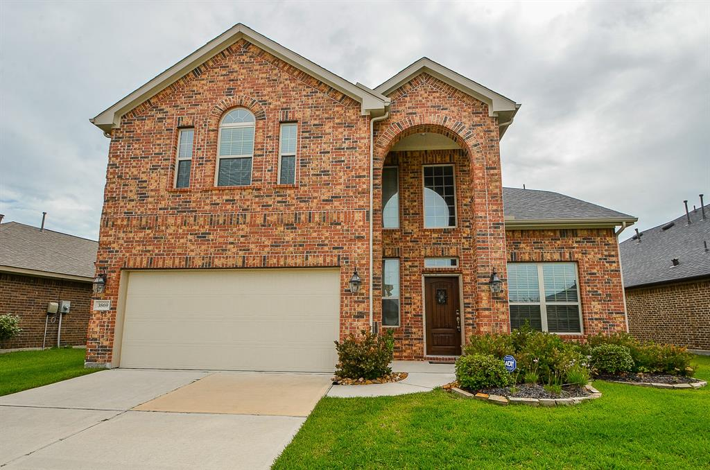 GORGEOUS 4 BEDROOM, 2.5 BATH, 2 STORY HOME WITH 2 CAR GARAGE IN THE HIGHLY DESIRED FALLS AT IMPERIAL OAKS NEIGHBORHOOD! FANTASTIC LAYOUT WITH UPSTAIRS GAME ROOM! AMAZING KITCHEN WITH GRANITE COUNTERTOPS AND LARGE ISLAND! REFRIGERATOR INCLUDED! WASHER/DRYER ALSO INCLUDED! BEAUTIFUL MASTER BATH WITH DUAL SINKS AND SEPARATE SHOWER! BACKYARD WITH COVERED PATIO! CONROE ISD! WONDERFUL COMMUNITY PARK! HOME CLOSE TO THE WOODLANDS, SHOPPING, RESTAURANTS, I-45 & THE GRAND PARKWAY! MUST SEE! WON'T LAST!