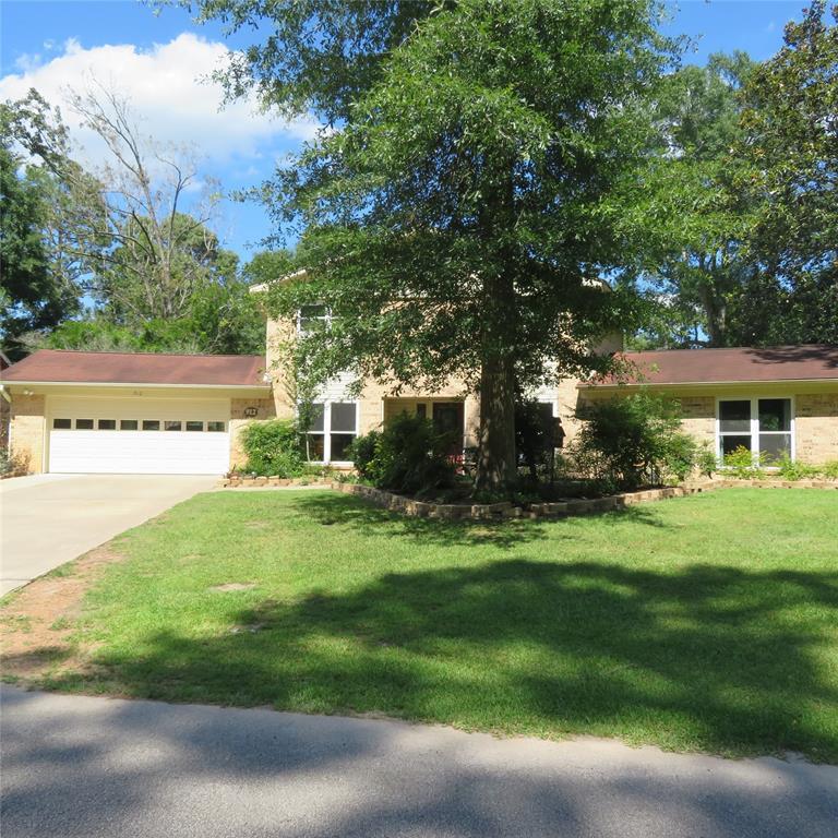 912 W WILDWOOD Drives, Village Mill, TX 77663
