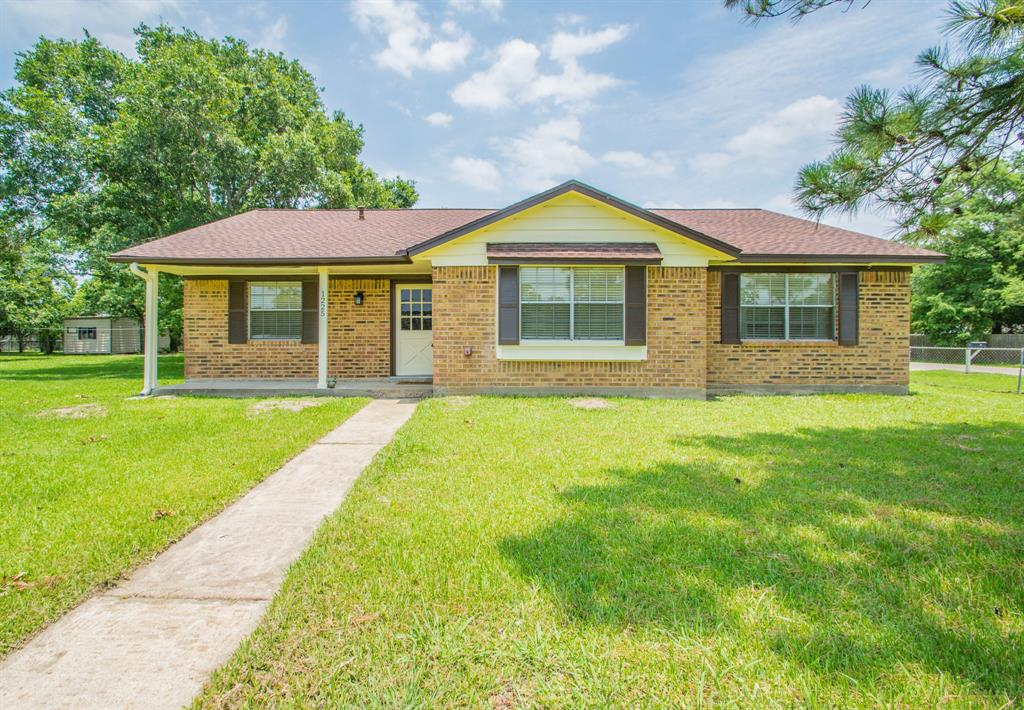 1225 Ave I, Danbury, TX 77534