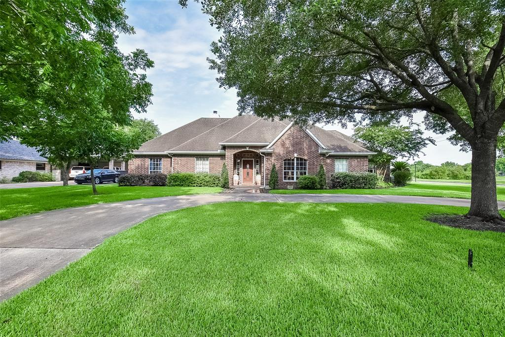 14902 Lakeview Drive, Jersey Village, TX 77040