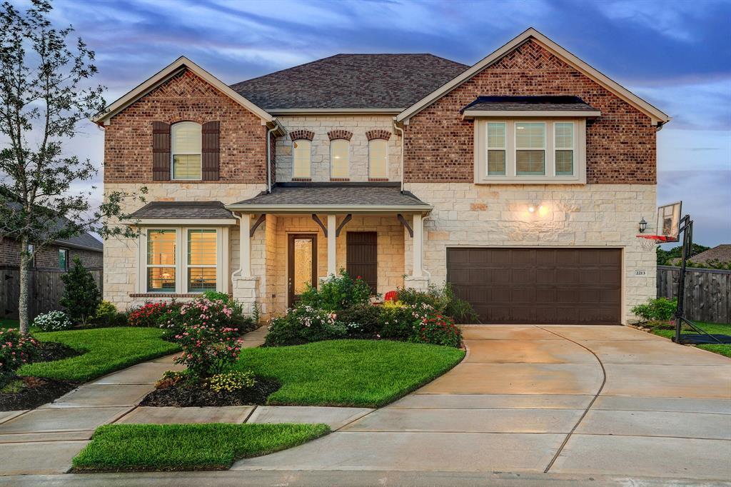 2213 Rocky Shores Lane, Pearland, TX 77089