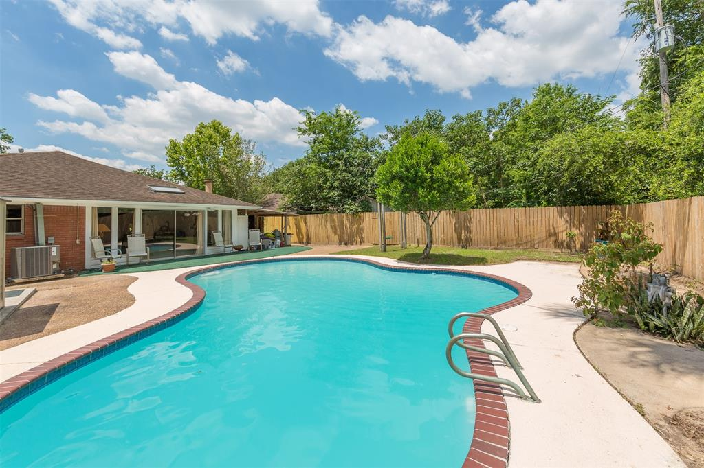12237 Palmbeach Street, Houston, TX 77034