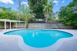 9827 gold cup way, houston, TX 77065