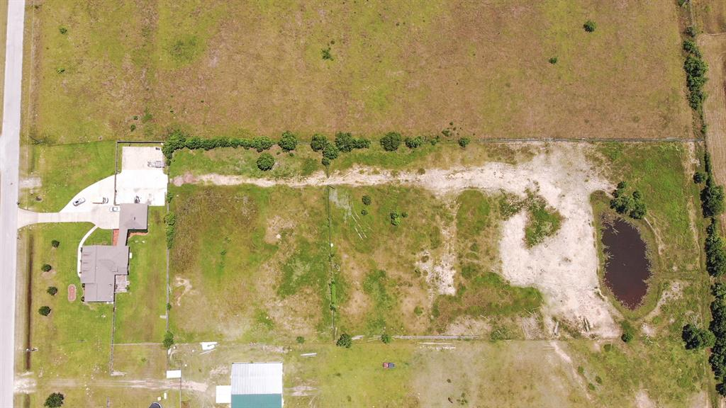 1963 Settlers Court Drive, Sealy, TX 77474