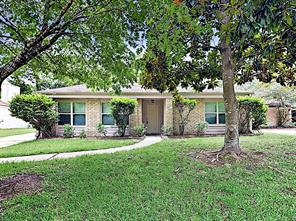 3922 maple heights drive, houston, TX 77339