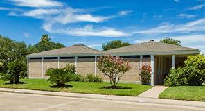 26 Colony Park Circle W, Galveston, TX 77551