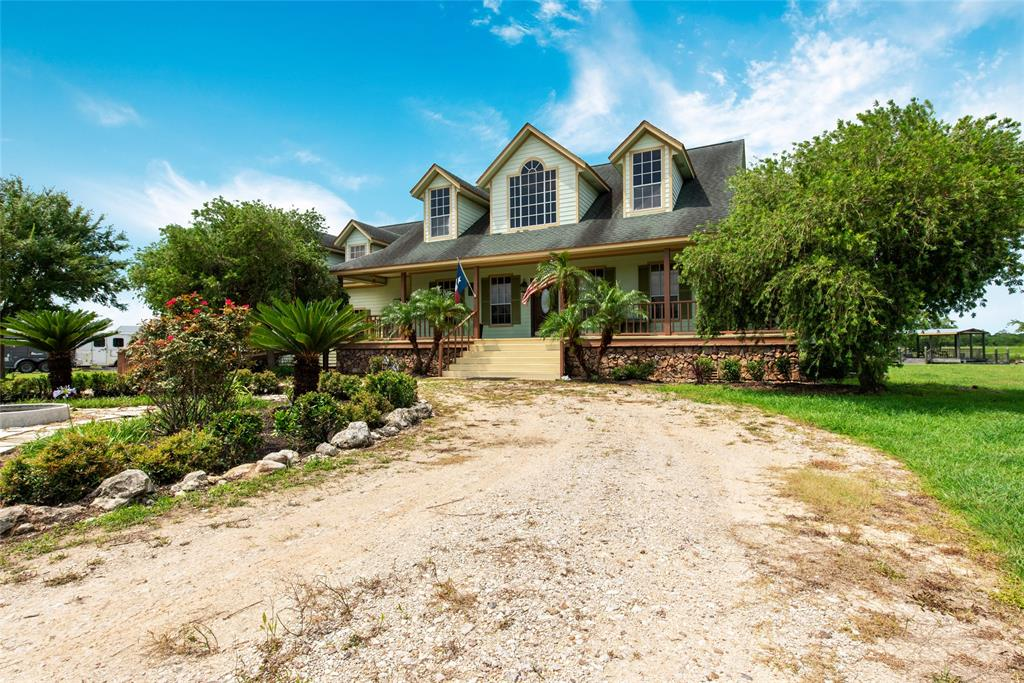 7902 S Redfish Street, Hitchcock, TX 77563
