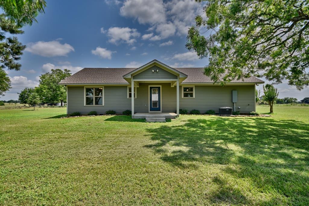 1379 Fischer Buller Road, Fayetteville, TX 78940