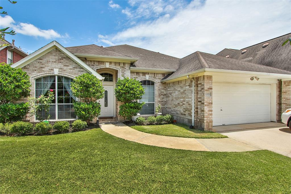 12022 Flamingo Lakes Court, Houston, TX 77065