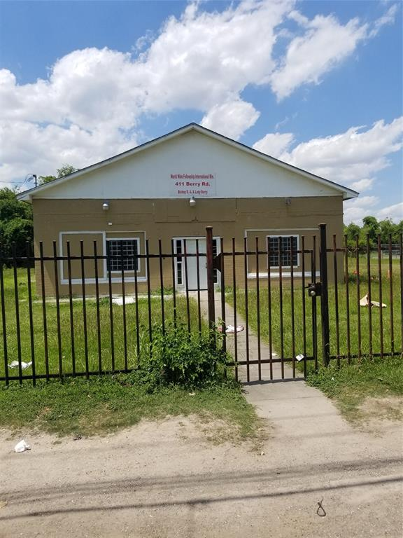 411 Berry Road, Houston, TX 77022