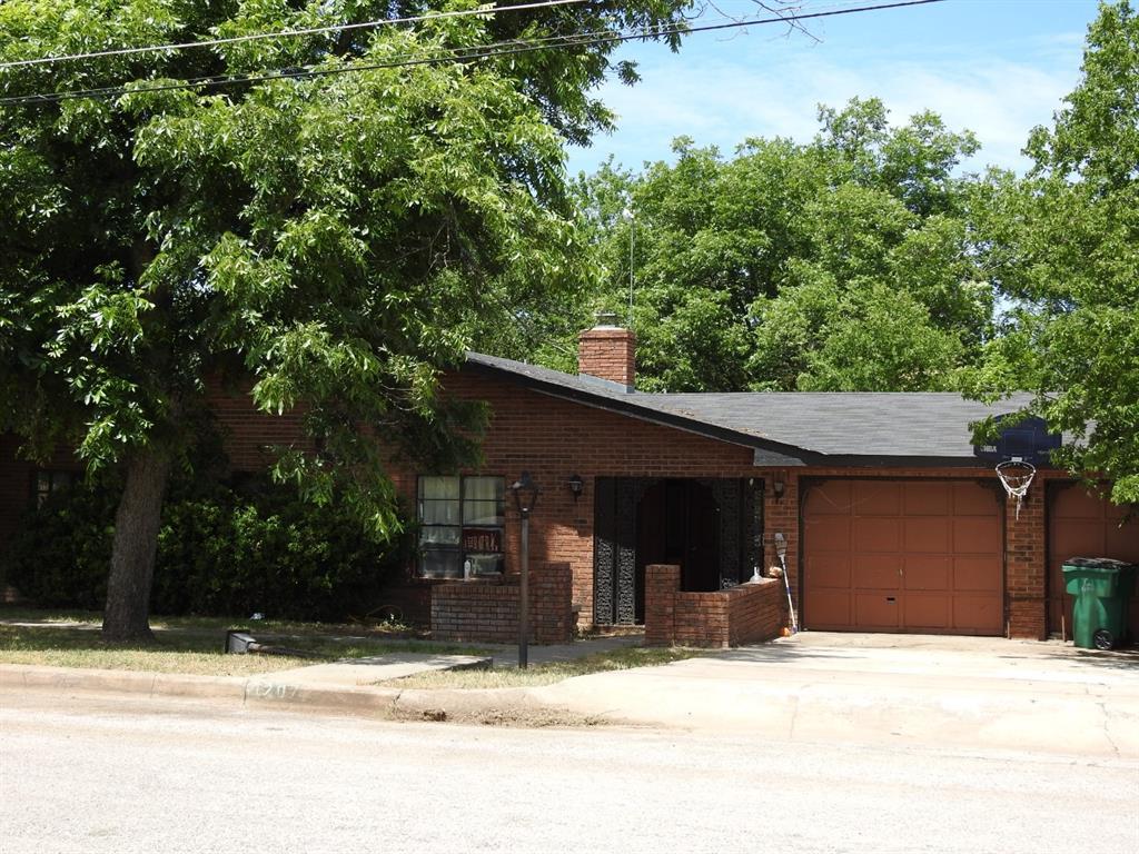 1207 Oatman Street, Llano, TX 78643