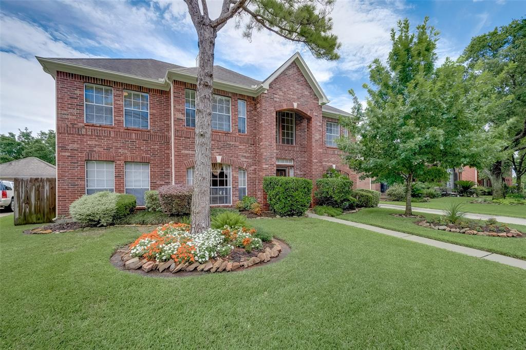 10910 Spruce Knoll Circle, Houston, TX 77065