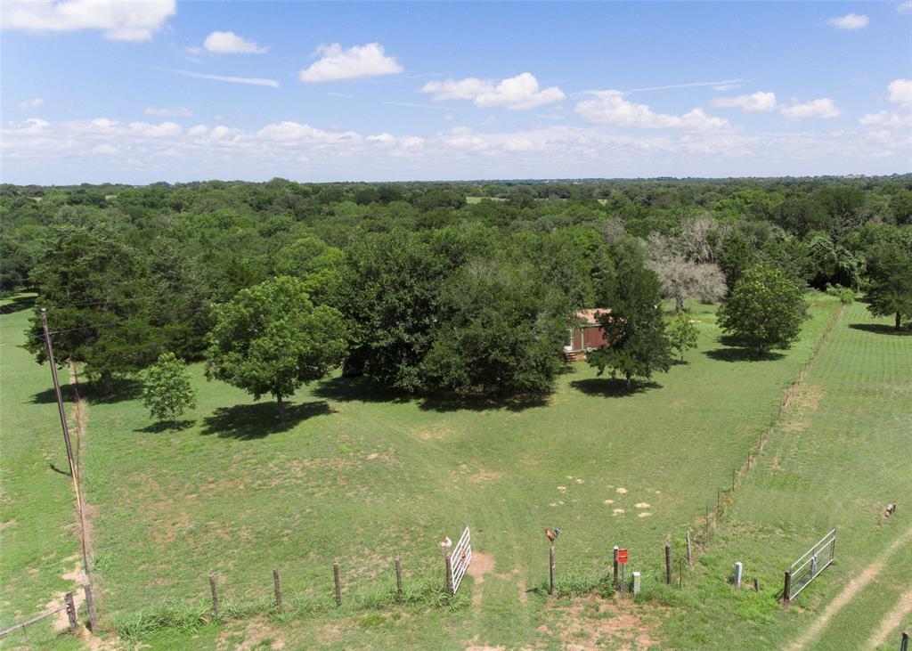 1163 County Road 532a, Hallettsville, TX 77964