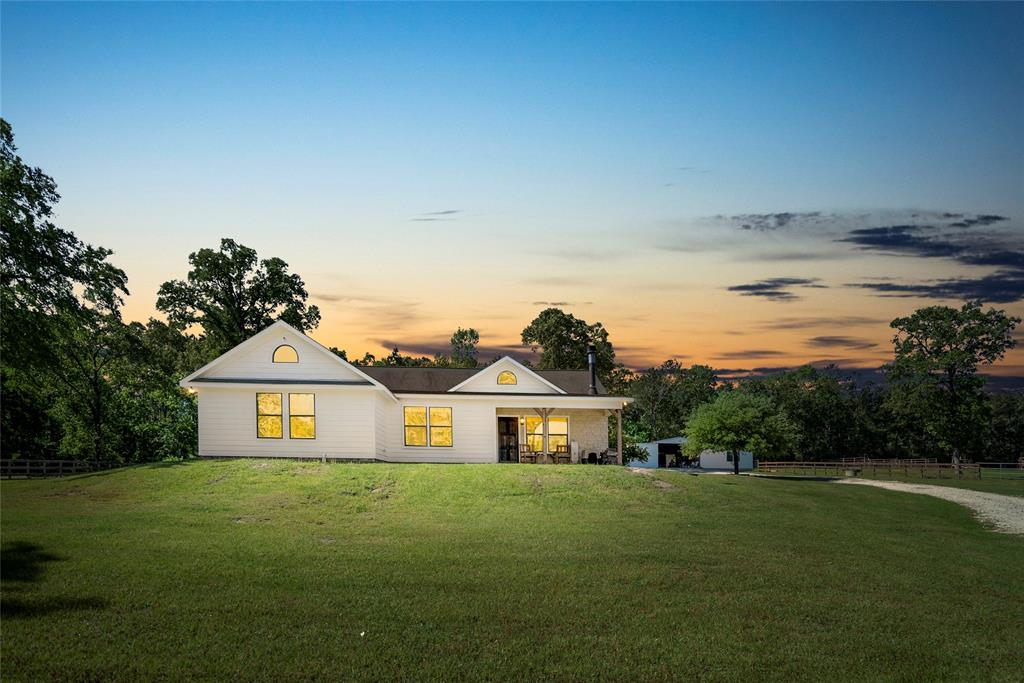 299 N Ghost Branch Road, Trinity, TX 75862