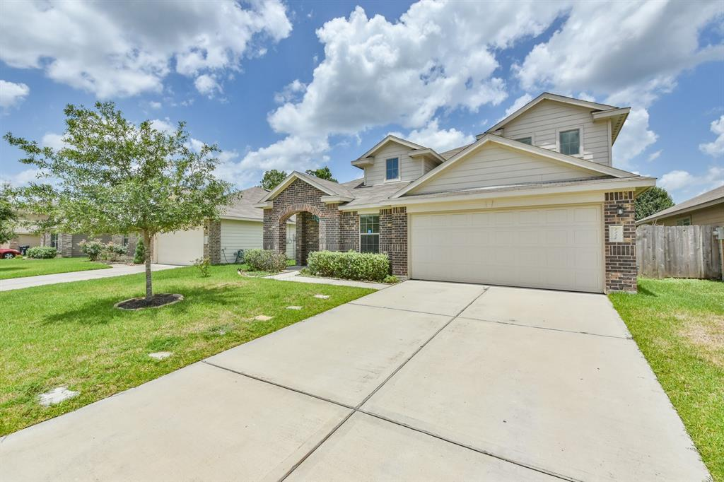 This gorgeous house with 4 or 5 bedrooms, high ceilings, open concept, kitchen with granite counter-tops, Refrigerator, washer and dryer can be included if needed. An extra maintenance fee will be charged, so you don't have to worry to take care of the yard. All this is waiting for you to call it Home.