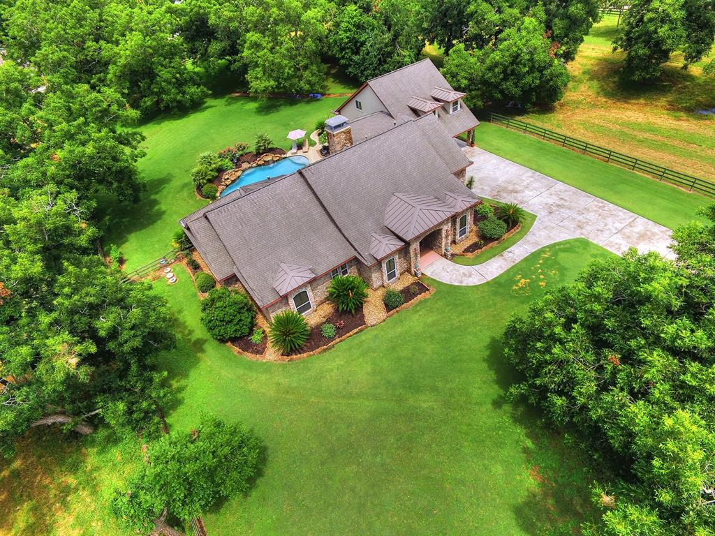 Homes for Sale in Fulshear TX with Guest House | Mason Luxury Homes