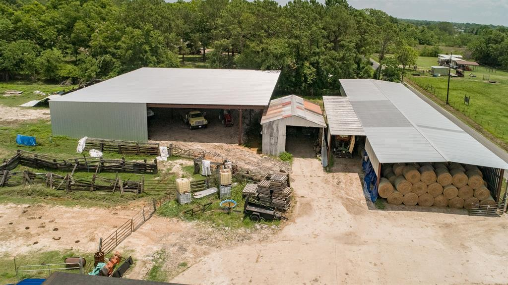 17308 Auction Barn Road, Alvin, TX 77511