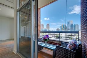 1901 Post Oak Boulevard #402, Houston, TX 77056