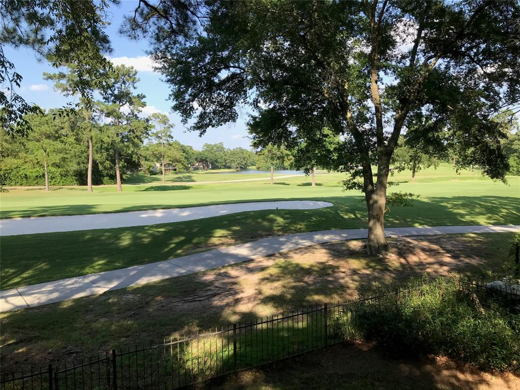 Upfront, GOLF COURSE LOT, less than 1.5 miles to I-45! Best location in town! 3 bedroom, 2 bath with pristine views of the TPC golf course. Refrigerator/washer/dryer included. Walking distance to The Woodlands Pavilion, Market Street, major thoroughfares, parks, schools and more. Don't miss out! Call today.