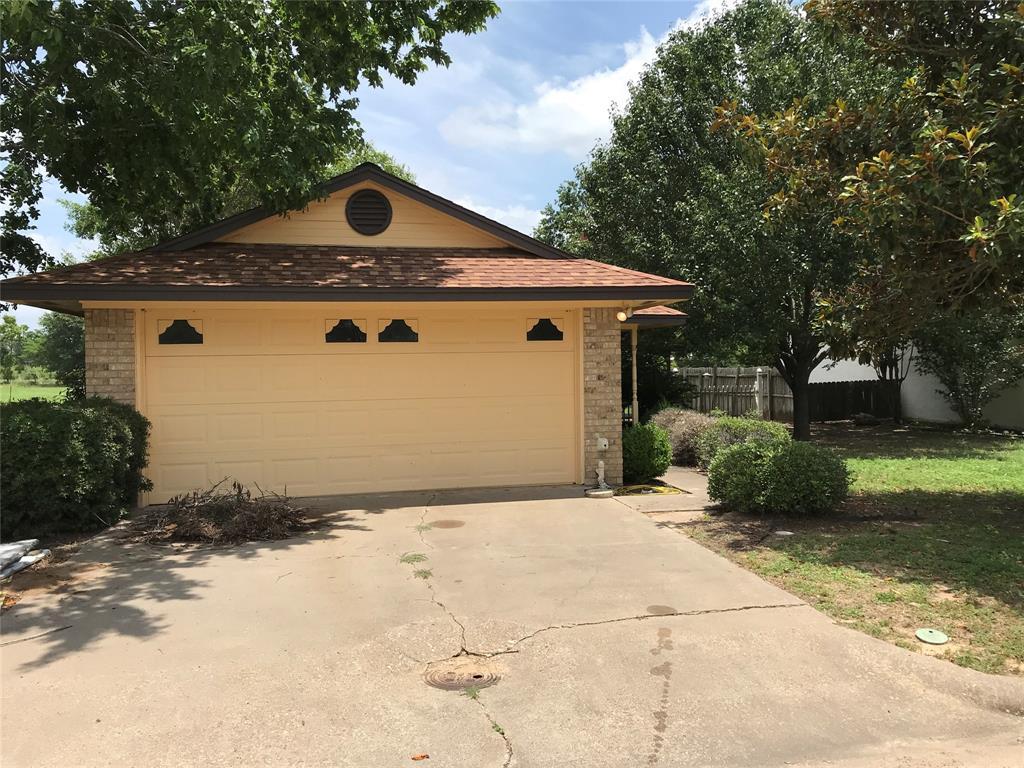 701 Cherry Drive, Groesbeck, TX 76642