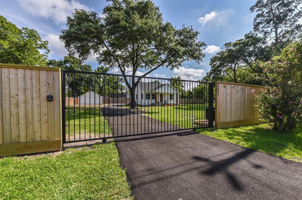 2021 Mcdaniel Street, Houston, TX 77093