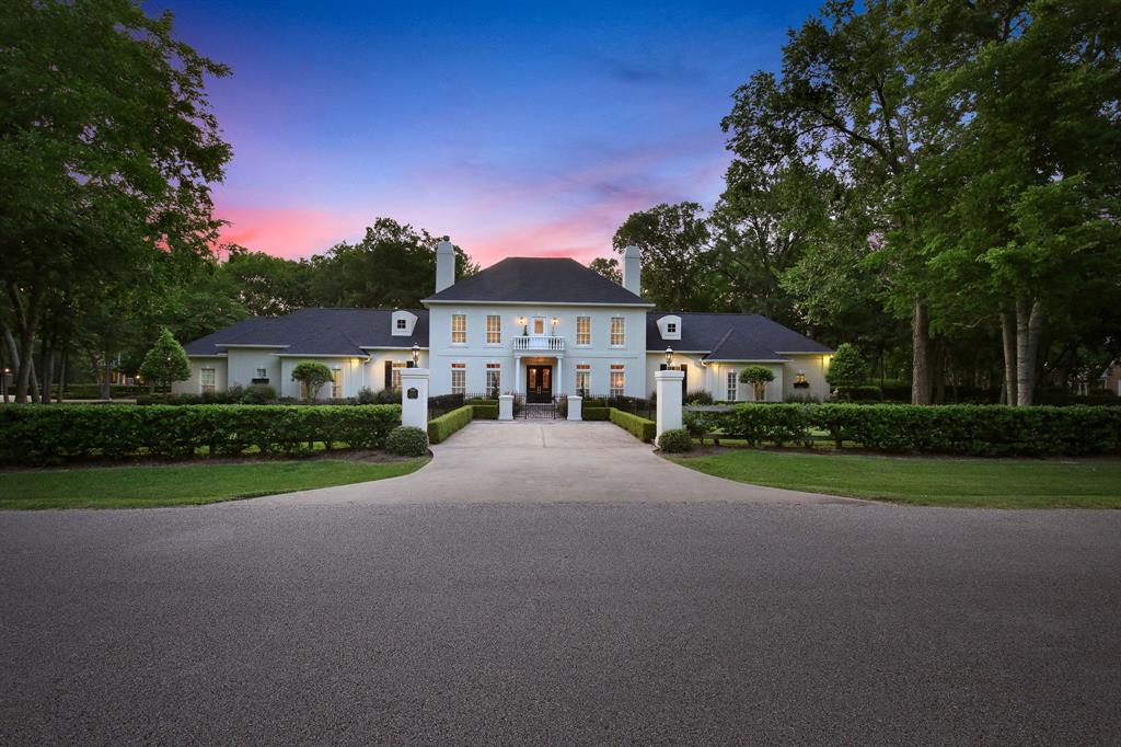 STATELY CHARM MEETS EXQUISITE LUXURY IN THIS FULLY LANDSCAPED 1.5 ACRE ESTATE IN SHILOH LAKE ESTATES!! CLICK TO VIEW THE VIRTUAL TOUR! WOODED CORNER LOT WITH PRIVATE FRONT & REAR ENTRANCE GATES, CIRCLE DRIVEWAY, AND ABUNDANT PARKING. LANDSCAPED HEDGE & FENCE, 0.25 KM WALKING TRAIL & BEAUTIFUL MATURE TREES SURROUND THE HOME. THE COMMUNITY IS SURROUNDED BY LAKES AND BLACK HAWK COUNTRY CLUB & GOLF COURSE. NO EXPENSE WAS SPARED IN THE DESIGN AND FINISHING OF THIS GORGEOUS FAMILY HOME. TRADITIONAL FORMALS TRANSITION GRACEFULLY INTO CASUAL FAMILY LIVING AND BEDROOM SUITES. MASTER SUITE AND SECOND BEDROOM/STUDY IS DOWN WITH GAME ROOM AND THREE SECONDARY BEDROOMS UPSTAIRS. NEW HIGH END APPLIANCES, RECENTLY RE-STAINED OAK HARDWOOD FLOORS THROUGHOUT (NO CARPET), NEW PAINT ON THE ENTIRE EXTERIOR AND INTERIOR OF THE HOME. POOL WAS BUILT IN 2017. EVERYTHING IS LIKE NEW! GATED ENTRANCE TO THE COMMUNITY SOON! SCHEDULE YOUR PRIVATE TOUR OF THIS INCREDIBLE ESTATE TODAY! HOME DID NOT FLOOD! LOW TAXES!