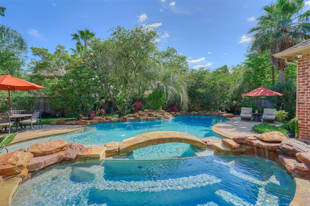 22 Midday Sun Place, The Woodlands, TX 77382