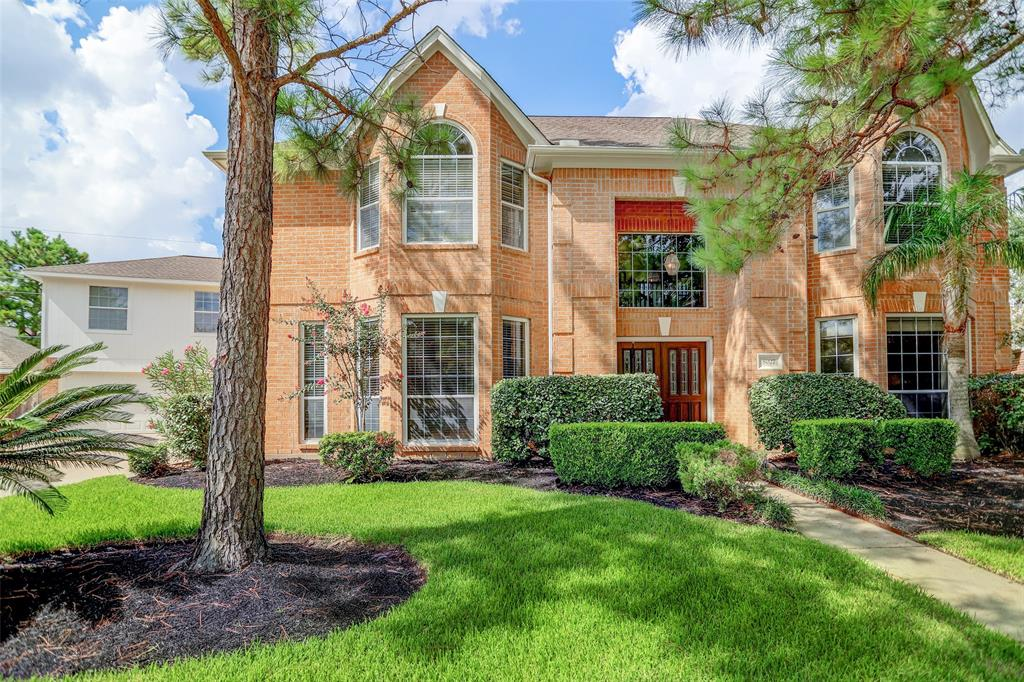 8027 High Knoll Lane, Houston, TX 77095