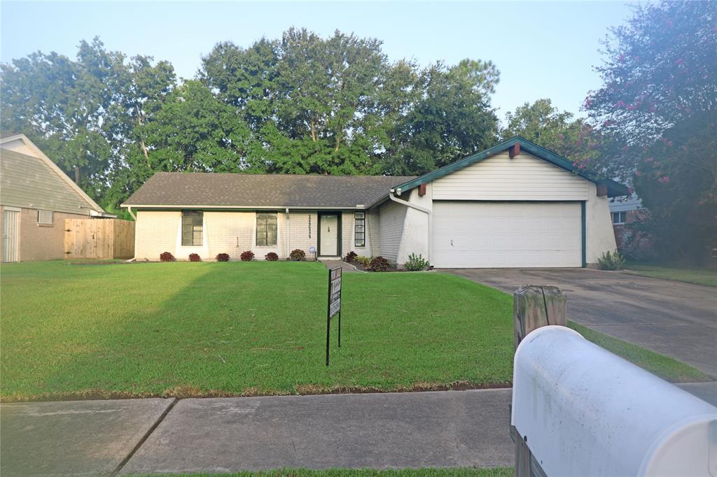 11634 Misty Glen Lane, Houston, TX 77099