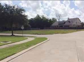 102 Water Bluff, Richmond, TX, 77406