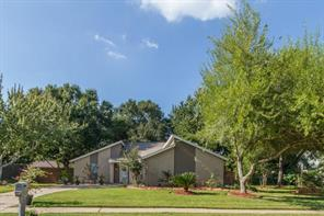 904 essex drive, friendswood, TX 77546