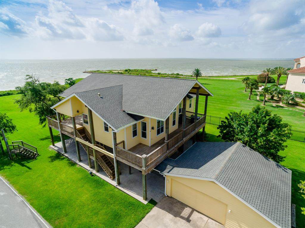 509 Surf Oaks Drive, Seabrook, TX 77586